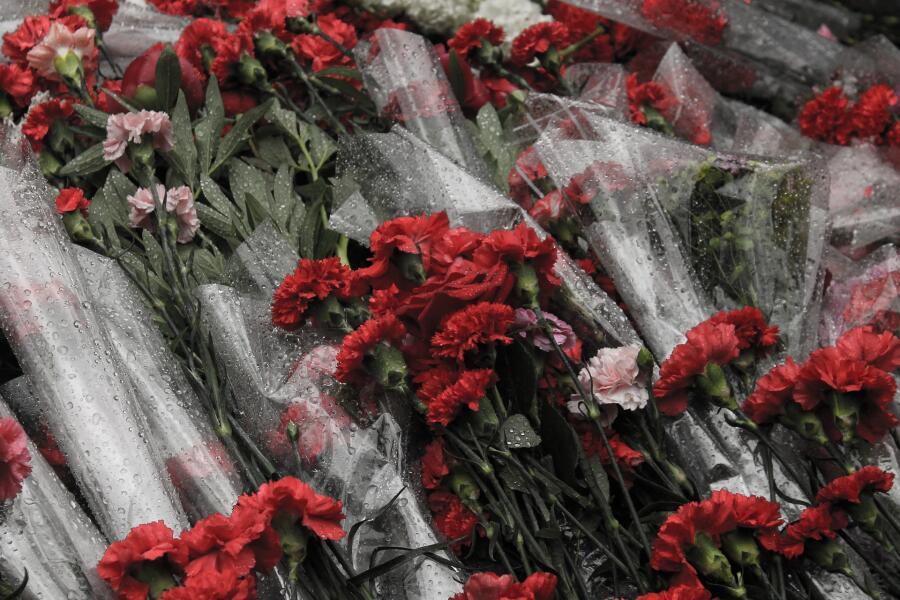 Какими парадами был отмечен победный 1945 год? На брусчатке Красной площади