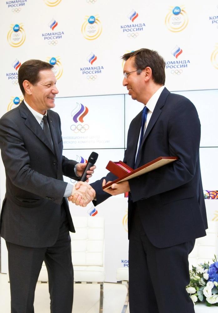 Александр Жуков и Сотириос Маринидис, вице-президент P&G в Восточной Европе и Центральной Азии