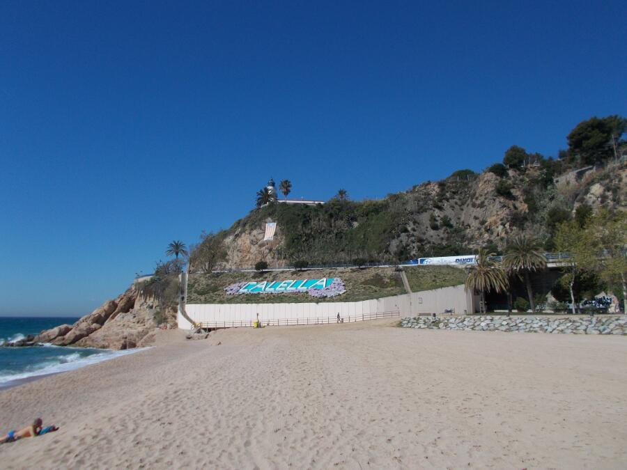 пляж городка Callela