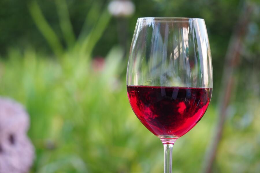 Насколько полезно для сердца красное вино?