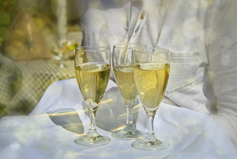 Какое вино делают в Шампани?