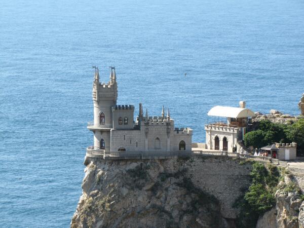 Отдых в Крыму: ехать или не ехать? Блеск и нищета полуострова