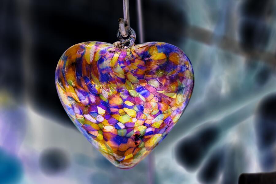 Что подарить клиентам или партнерам? Сувениры из стекла