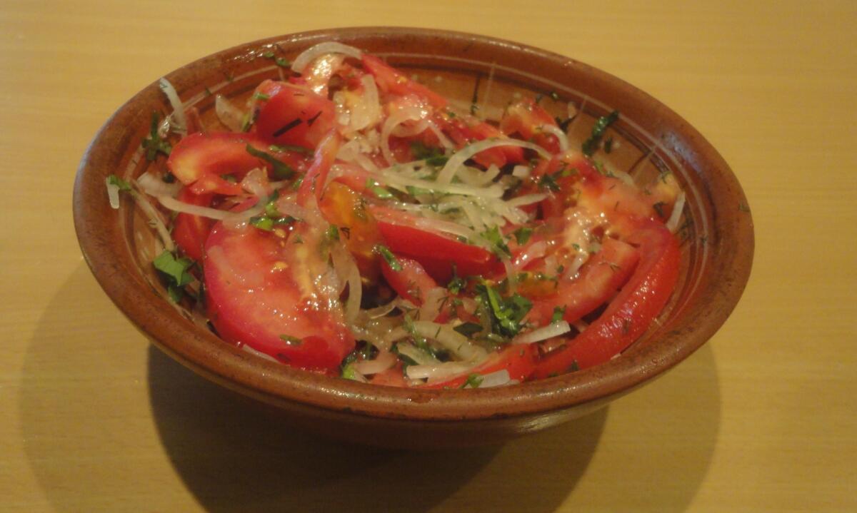 Свежие грунтовые помидоры (169 руб./кг) лучше - в салат