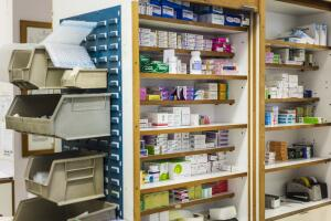 Какие лекарства покупать - дешевые или дорогие?