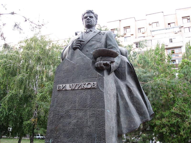 Пямятник В.И.Чуйкову в Волгограде