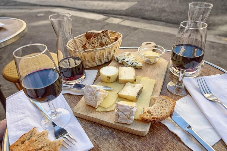 Бокал вина за ужином идет здоровью на пользу
