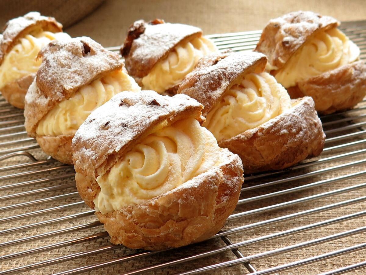 Еда с высоким содержанием сахаров и жиров вредна для кишечника