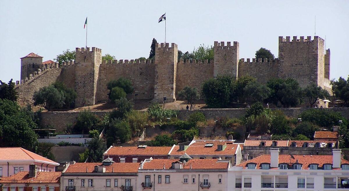 Замок Святого Георгия в Лиссабоне, резиденция португальских королей