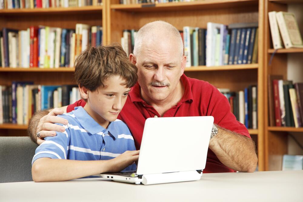 Старайтесь тактично направлять ребенка к правильному решению