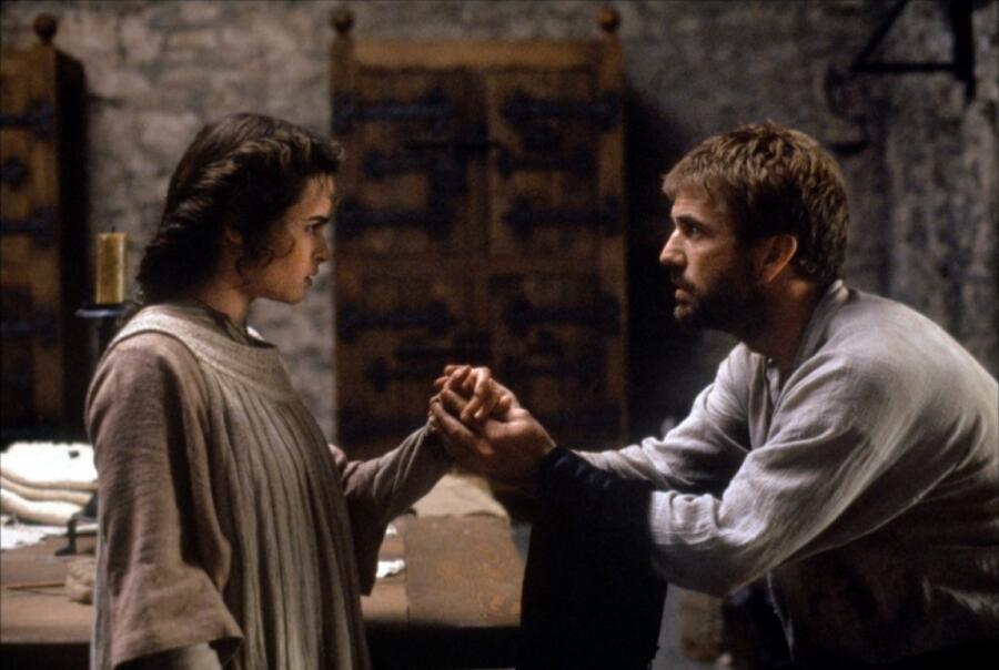 Гамлет и Офелия, кадр из фильма «Гамлет», 1990 г.