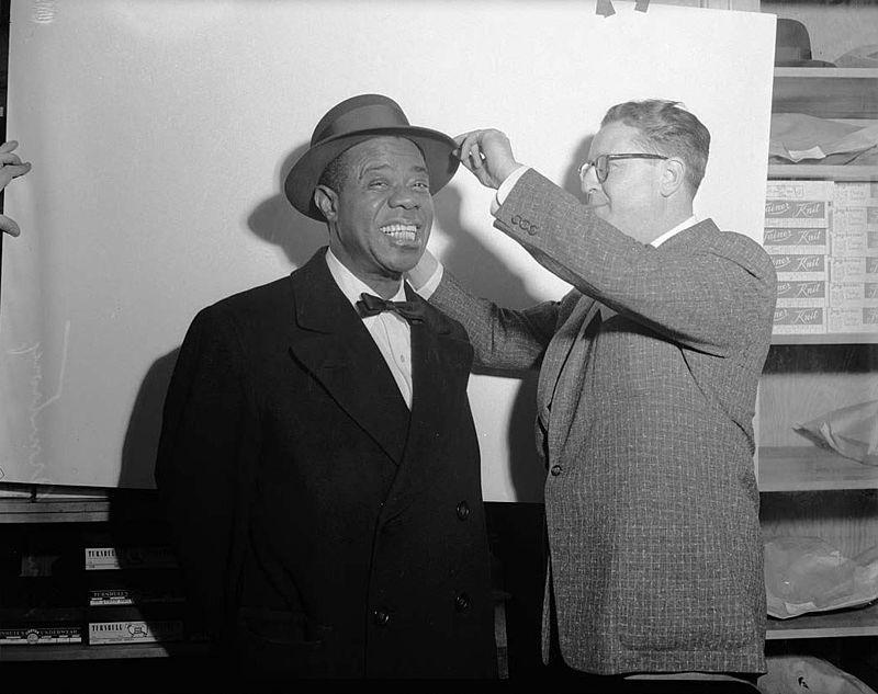 Армстронг примеряет шляпу, 1955 год