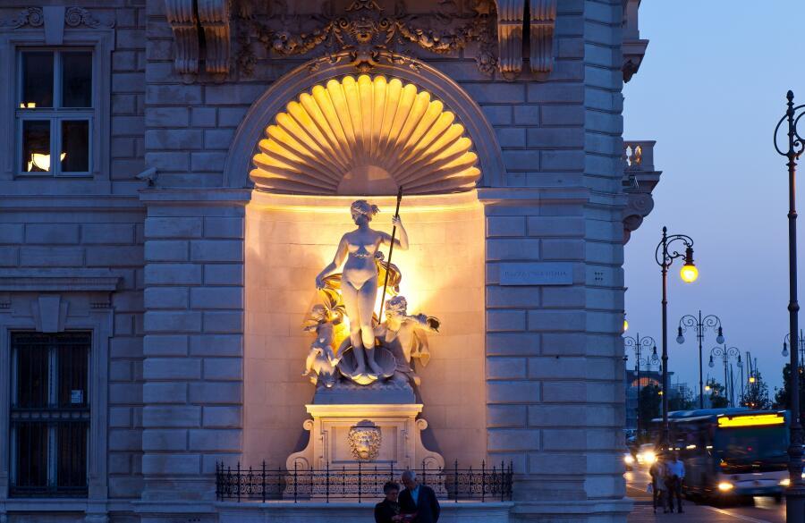 Статуя Венеры, Триест, Италия