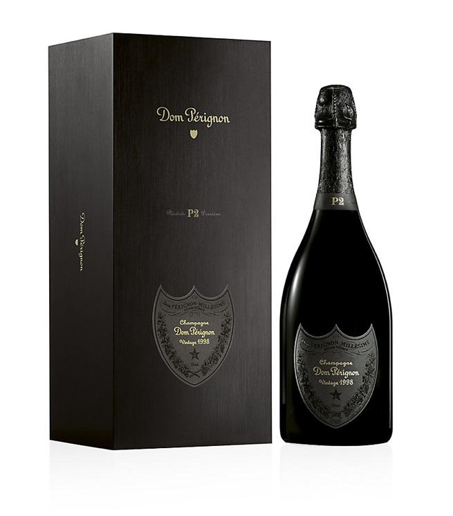 Шампанским может быть только вино из провинции Шампань, такое как «Dom Perignon»
