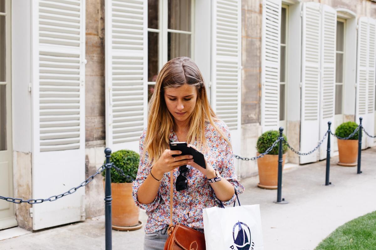 Чехол замаскирует дешевенький смартфон