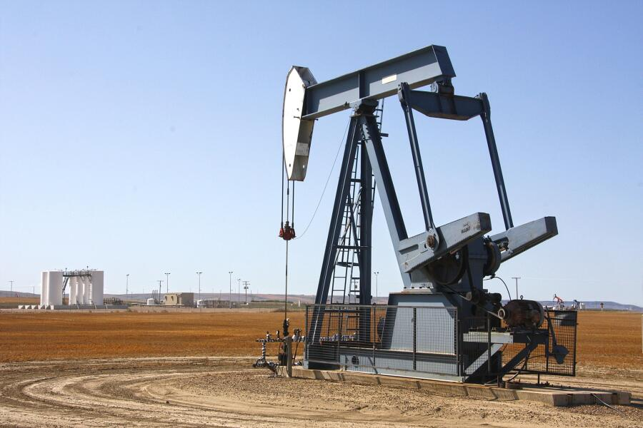 Добыча нефти, скважина