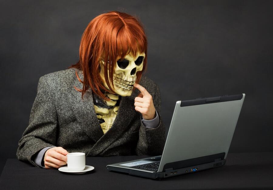 Как правильно реагировать на троллинг в Интернете?