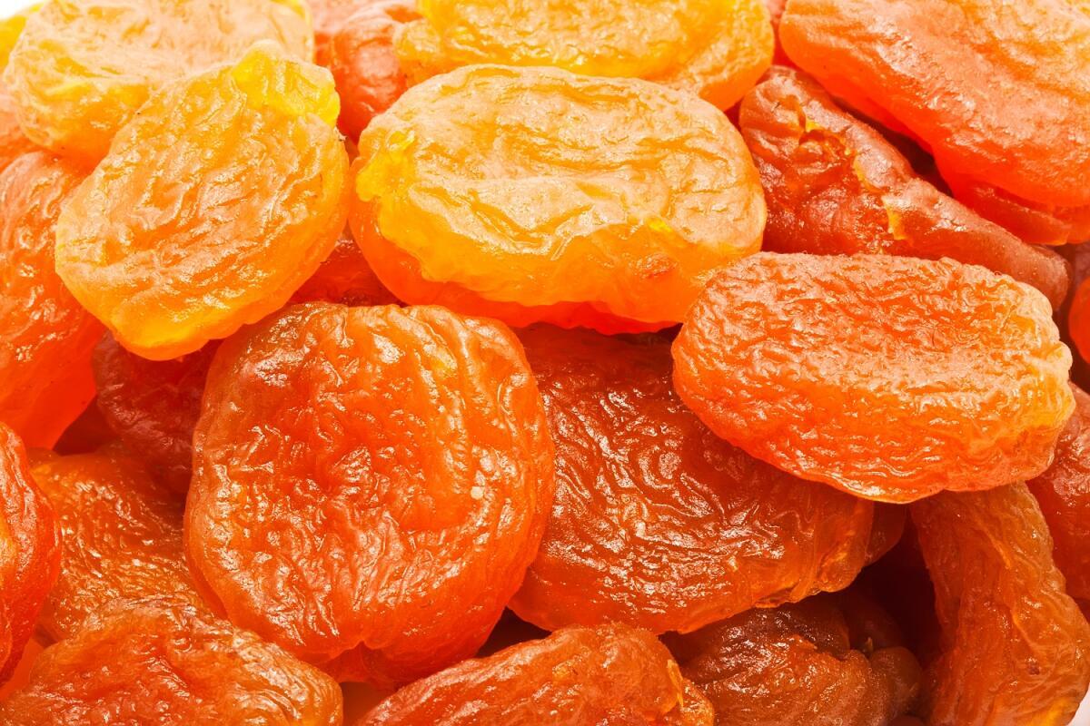 Сушеные абрикосы - курага