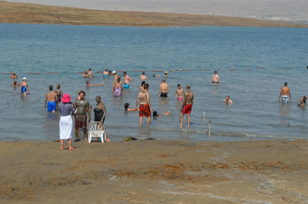 Мертвое море. Здесь обязательно стоит побывать