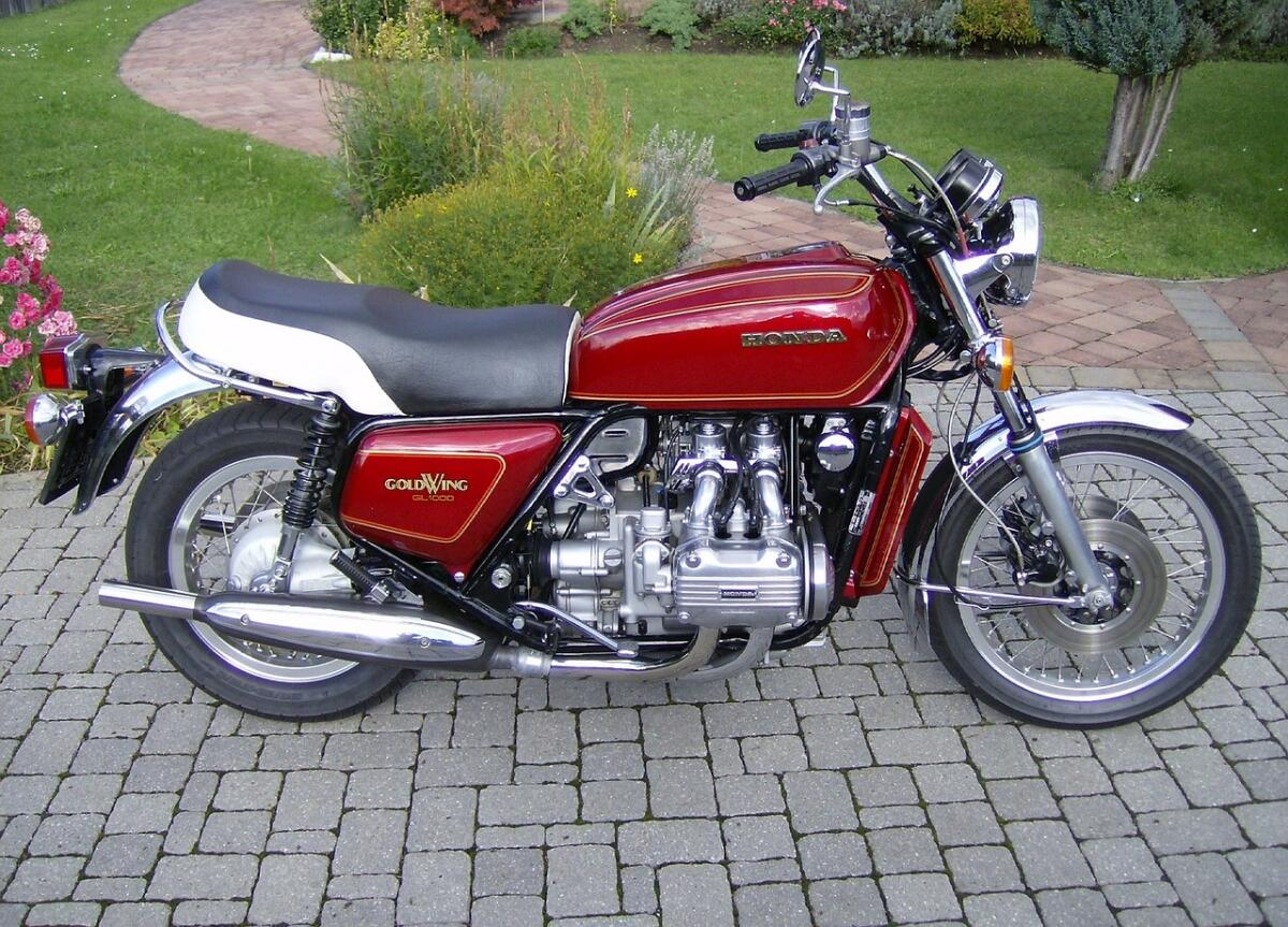 На мотоцикл Honda Gold Wing впервые установили подушку безопасности