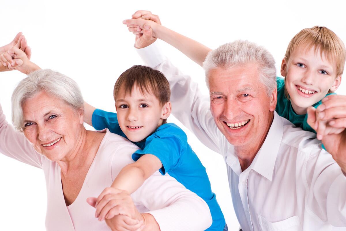 Общение стариков и детей — житейская необходимость