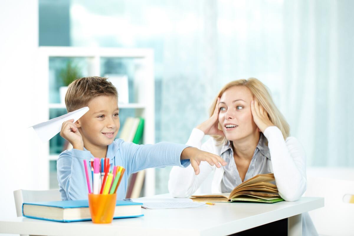 Не закрывайте ваше чадо от внешнего мира, ему нужно гулять, общаться с другими детьми