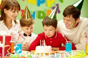 Как украсить комнату ребенка на день рождения?