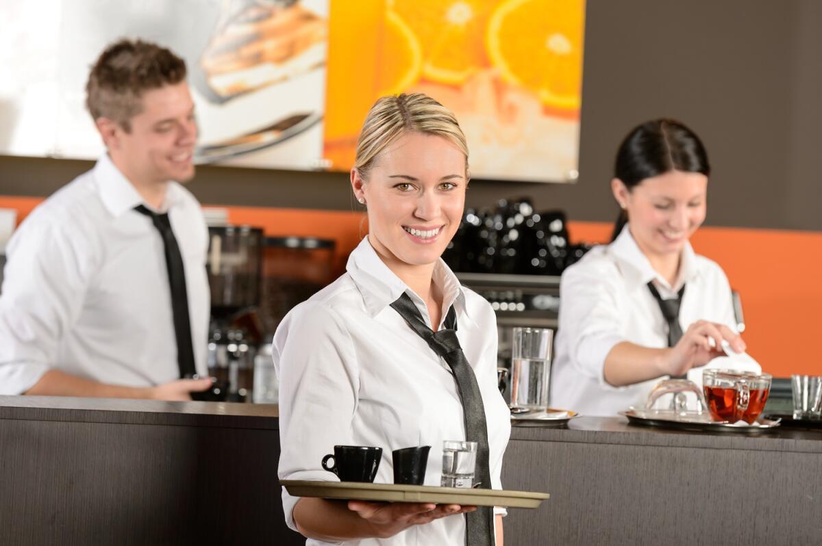 Многие профессии связаны с многосменностью, так как их услуги требуются круглосуточно