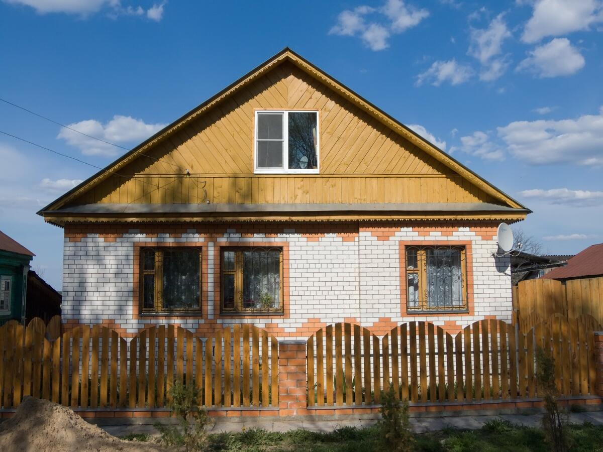 Покупка дома - удовольствие не из дешевых, поэтому многие предпочитают арендовать частный дом