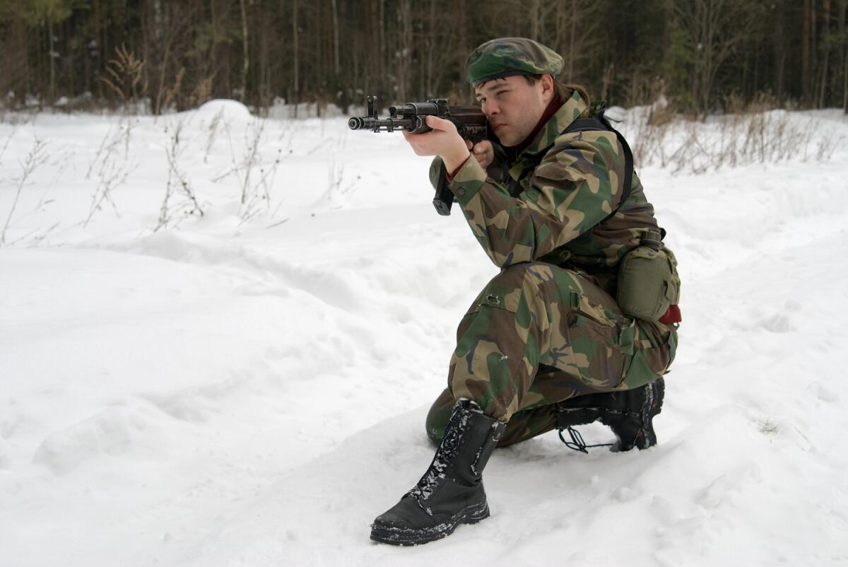Бывают и интересные роли, например, в военном фильме
