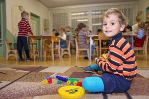 День добрых дел. Как помочь детским домам и не оказаться крайним?