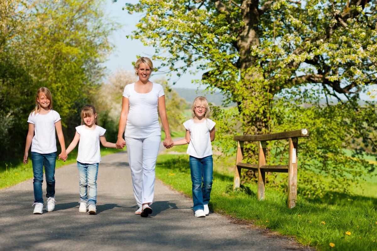 Матери считают бездетных женщин неудачницами, которым не удалось обустроить личную жизнь и родить детей