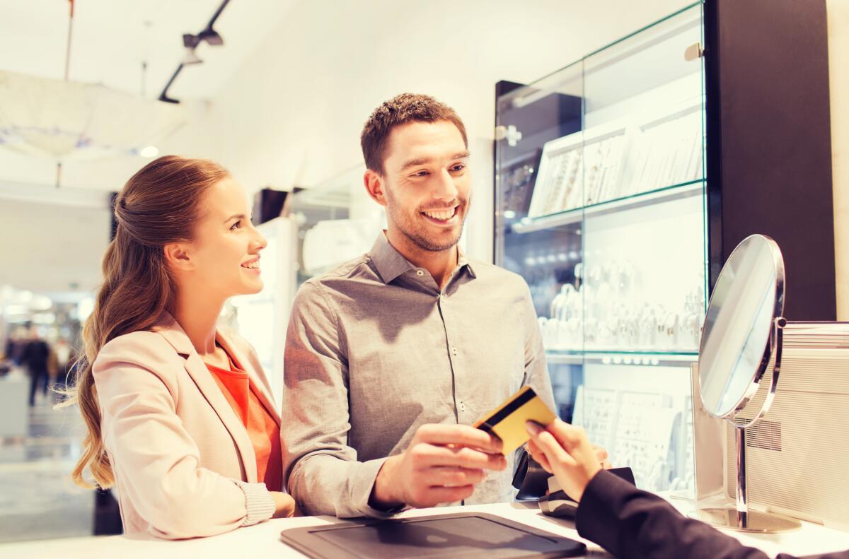 Сегодняшние молодые люди четко понимают, чего они хотят: хотят больше денег