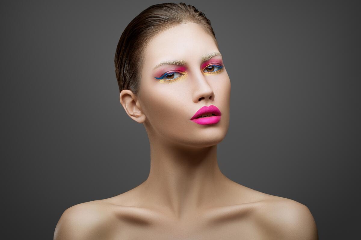 Если розовый подчеркивает недостатки лица, а от красно-коричневого лицо станет ярче и выразительнее, ваш тип — осенний