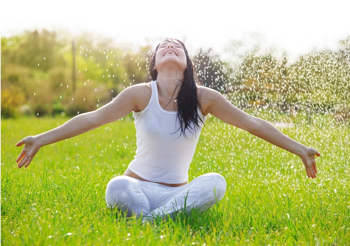 Живите с надеждой, сами делайте и создавайте свою жизнь и свое настроение