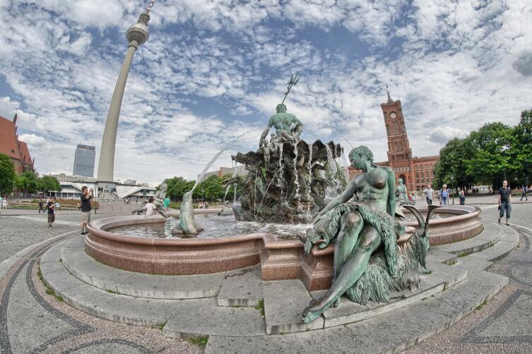 Площадь Александерплац, фонтан Нептуна