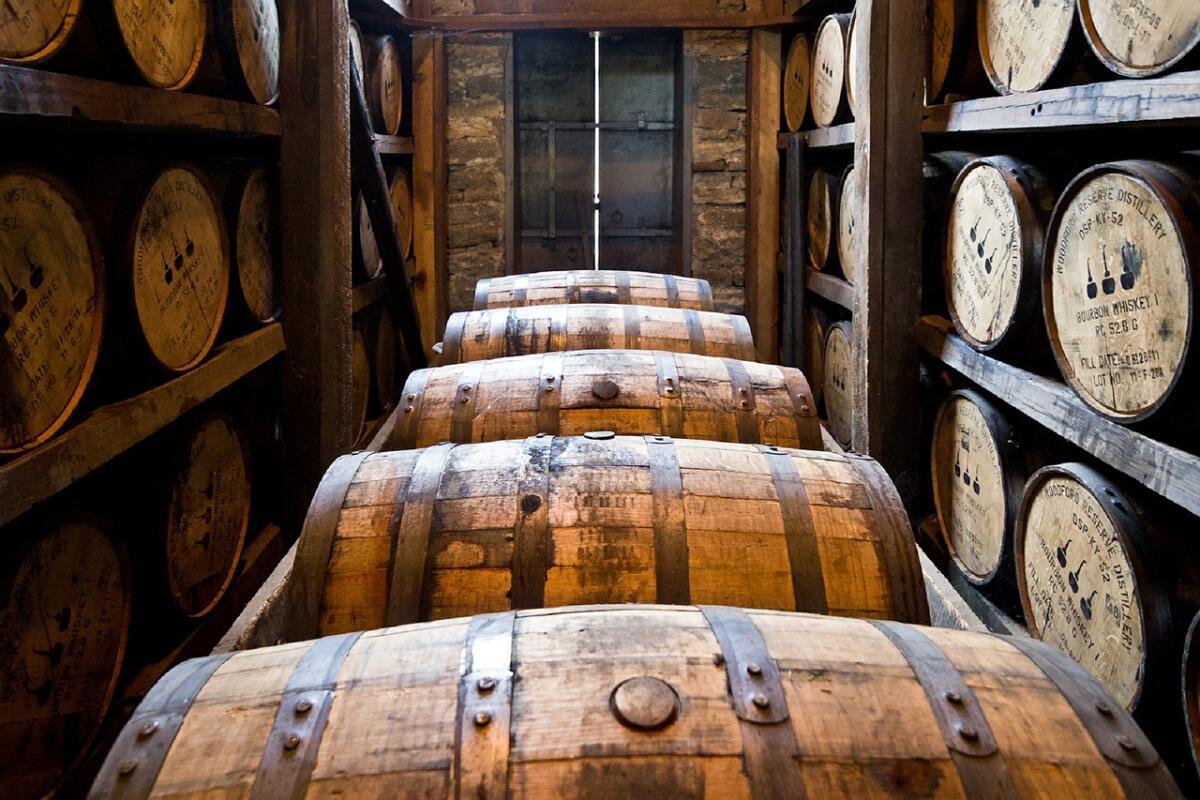 Производители ради коррекции вкуса используют технологию «cask finishing» (отделка бочонком), когда виски выдерживают поочередно в разных бочках