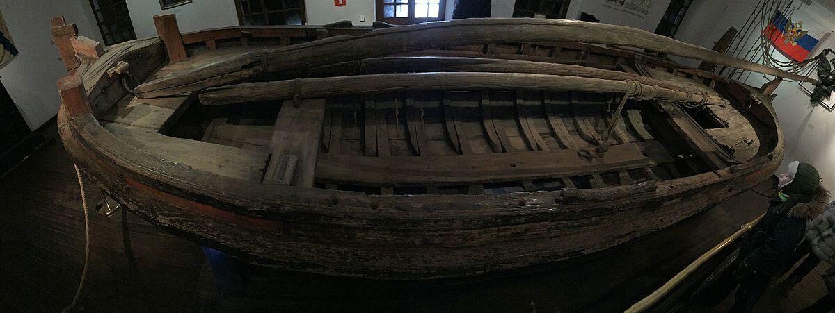 Ботик «Фортуна» в 2015г. Единственный корабль потешной флотилии Петра I на Плещеевом озере, сохранившийся до наших дней
