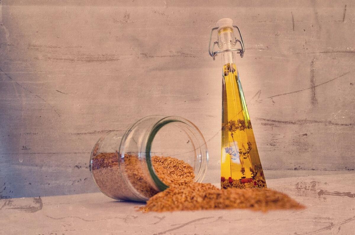 Выход масла из семян кунжута самый высокий среди масличных культур — 50−65%