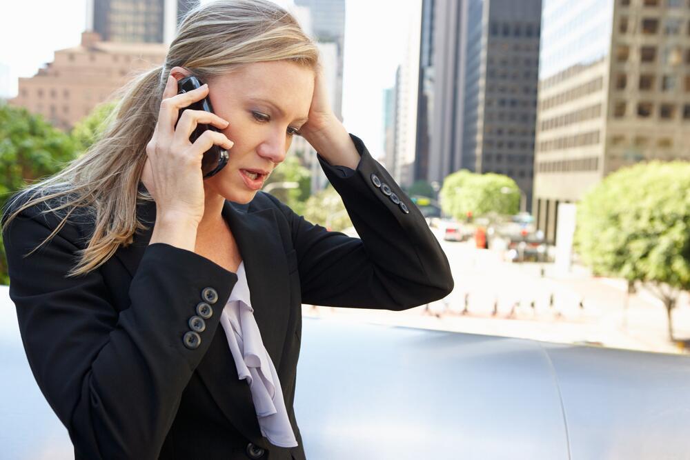 Обзвоните как можно больше вакансий по вашей специальности, соберите максимальную информацию обо всех предложениях на рынке труда