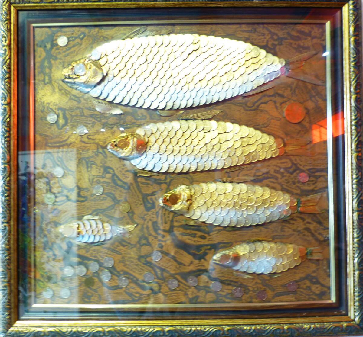 Объёмная картина Рыбки, сделанные из монеток
