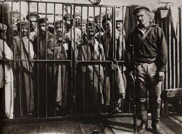 Заключенные под конвоем, начало ХХ века