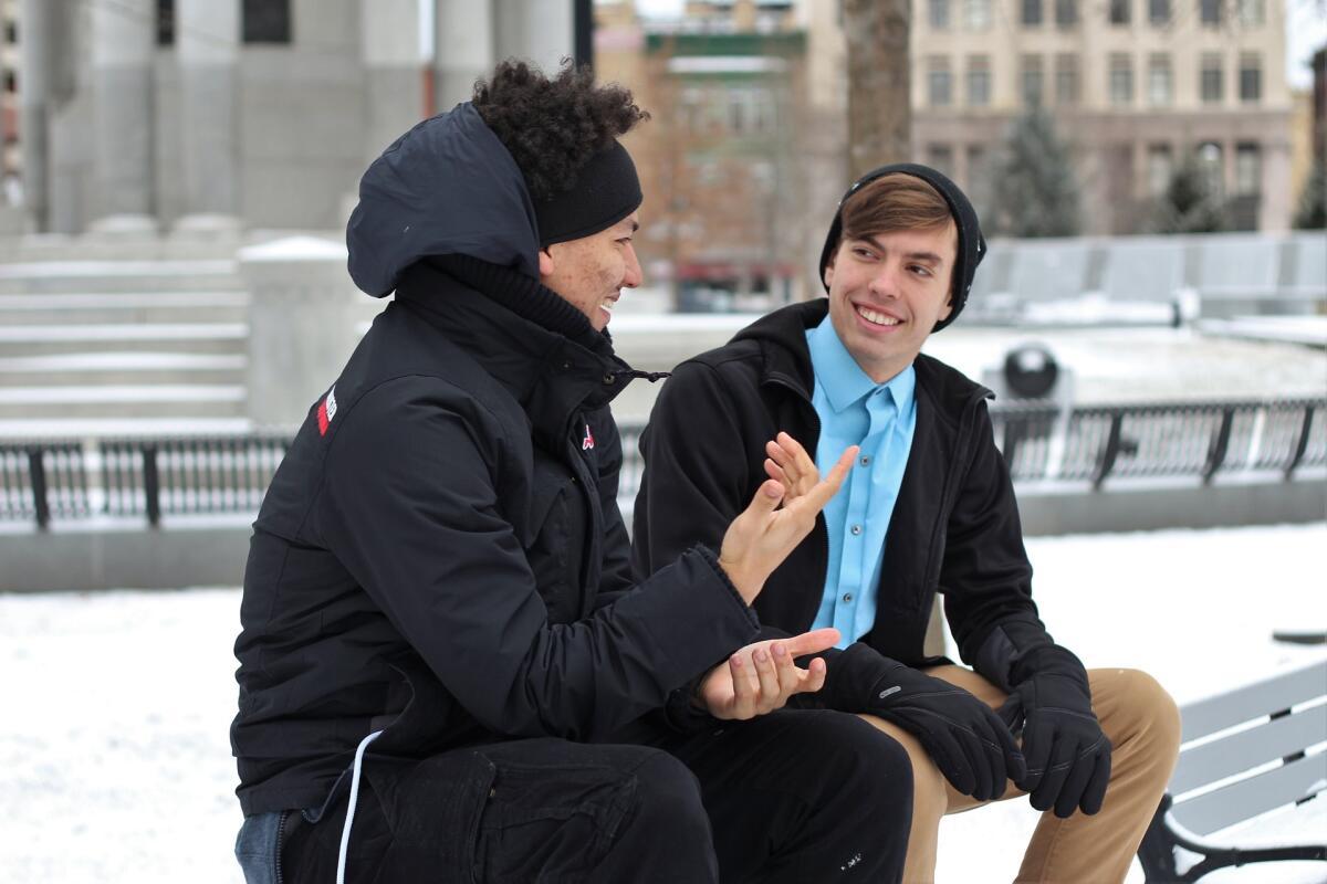 Старайтесь присутствовать в разговоре, учитесь слышать собеседника