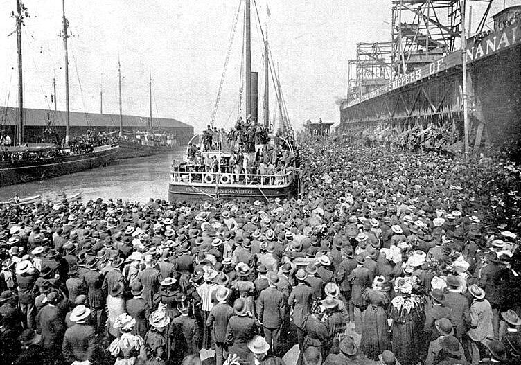 Пароход Excelsior отправляется из Сан-Франциско в Клондайк 28 июля 1897 года