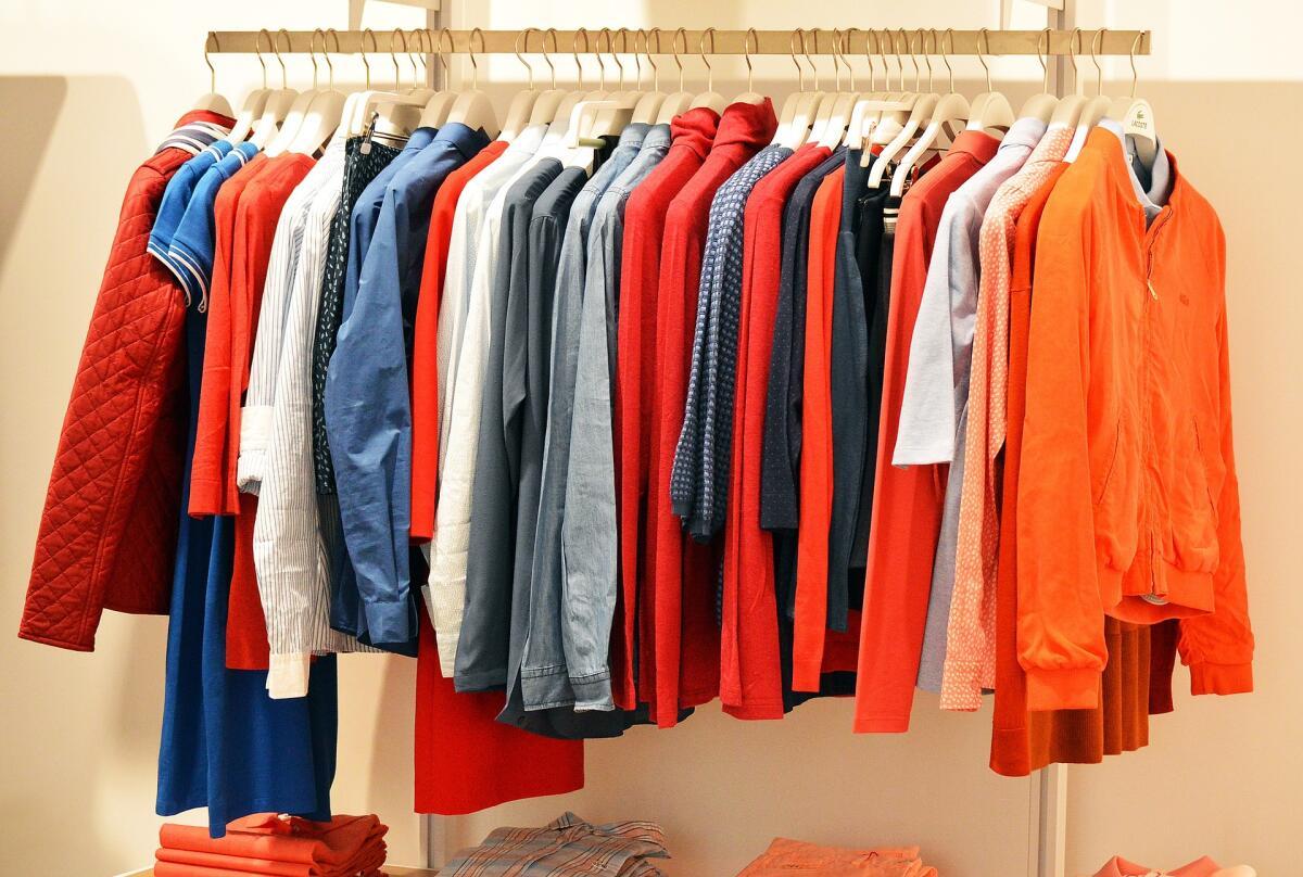 Развесить одежку по вешалкам - это еще не искусство мерчендайзинга