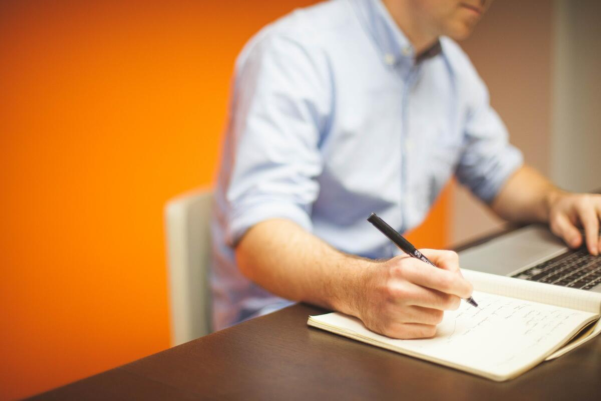 Кто знает, может, на основе ваших заметок в дневниках кто-то будет писать диссертацию