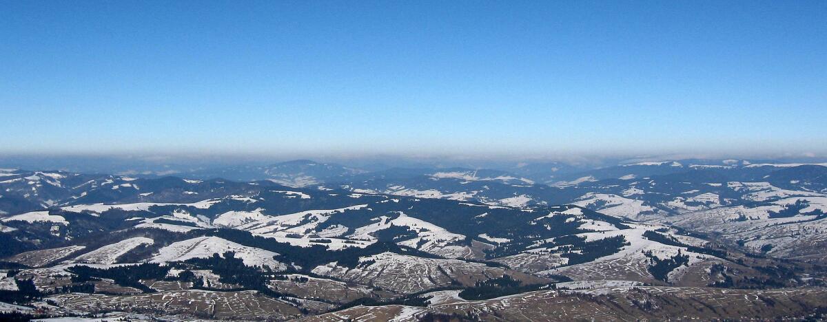Панорама Карпатских гор, вид с Боржавского массива
