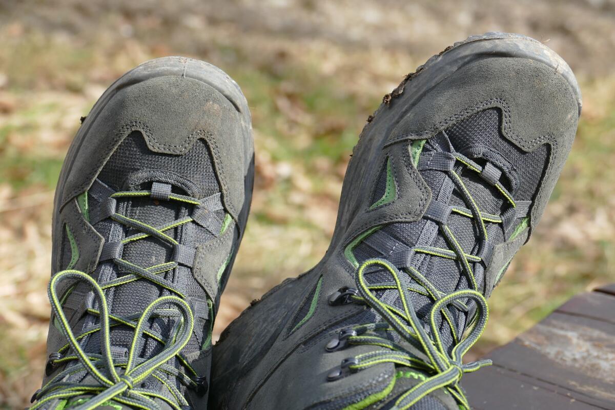 Удобная и прочная обувь предотвратит множество проблем на отдыхе