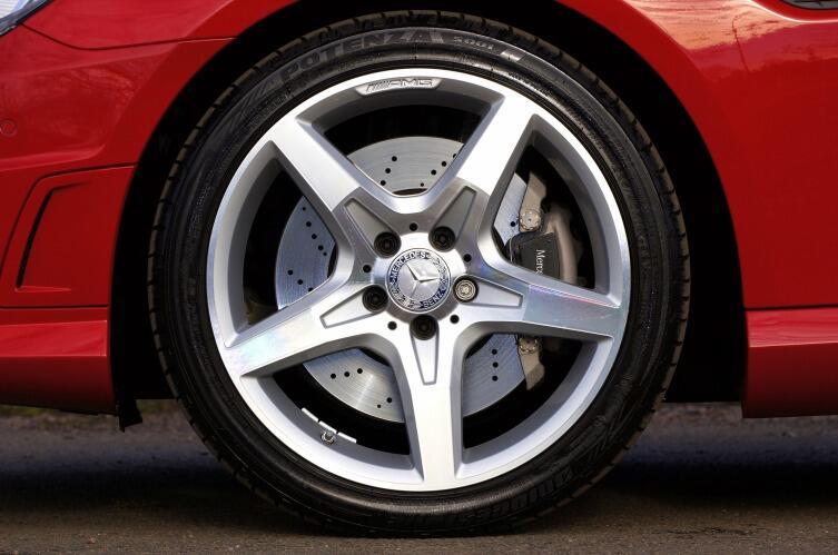 Тормоза, рулевое и резина должны быть в идеальном состоянии!