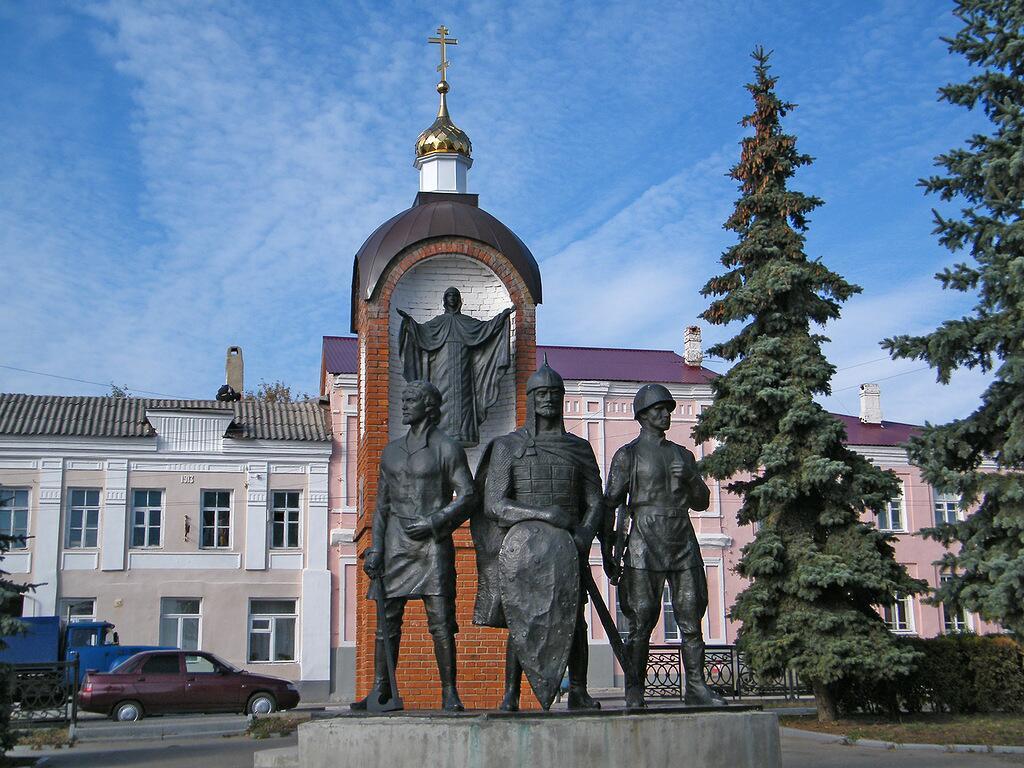 Памятник защитникам отечества в городе Елец